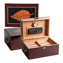 Humidors & Humidifying Devices